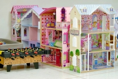 4barbie3stories